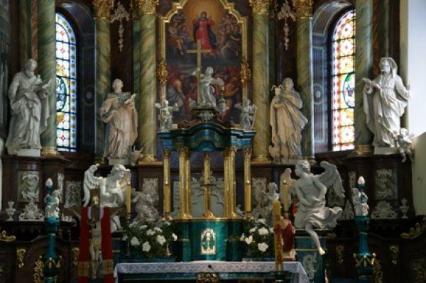 Bazylika Matki Bożej w Gidlach - ołtarz główny