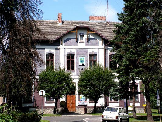 Budynek starej gminy w Brzeszczach z 1910 roku