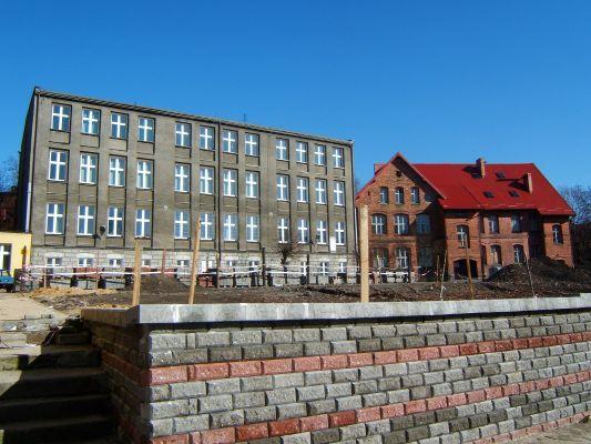 Budynki szkoły z 1905 i 1912 w Bykowinie
