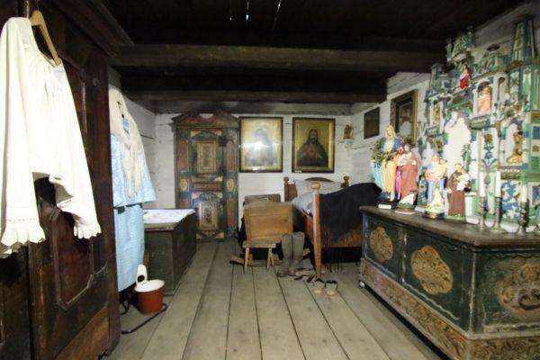 Chałupa z Grzawy - jedna z izb