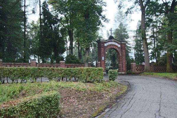 Pszczyna - Cmentarz ewangelicki - wejście