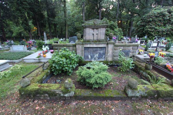 Pszczyna - Cmentarz ewangelicki - nagrobek 2