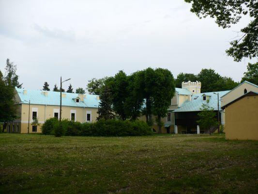 Dziedziniec pałacu w Kłobucku-Zagórzu