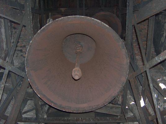 Dzwony na wieży Kościoła Zbawiciela w Szopienicach