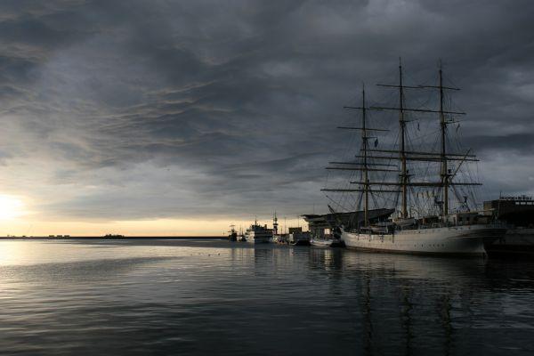 Gdynia - Dar Pomorza o świcie