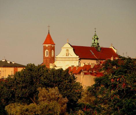 Gniezno. Widok na kościół i klasztor ojców Franciszkanów