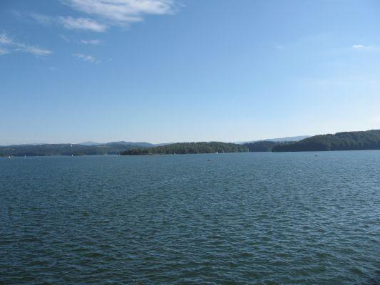 Jezioro Solińskie - widok z zapory