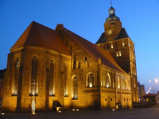 Katedra w Gorzowie nocą