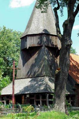 Kmiecin, XIV-wieczny kościół św. Jadwigi