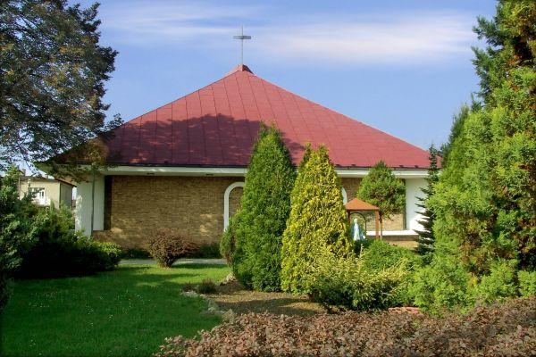 Kościół Matki Bożej Wspomożenia Wiernych w Zarzeczu