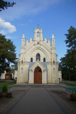 Kościół p.w. Matki Bożej Częstochowskiej w Józefowie