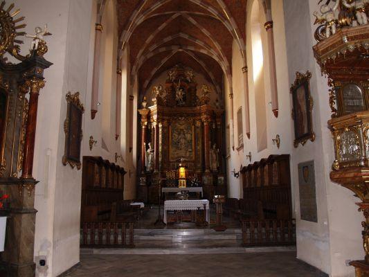 Kościół Św. Trójcy w Opolu - Widok na główny ołtarz