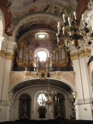 Kościół Świętych Apostołów Piotra i Pawła w Nysie - chór muzyczny z prospektem organowym