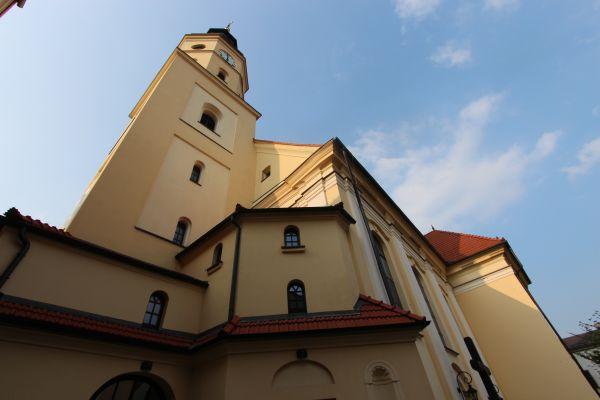 Pszczyna, kościół Wszystkich Świętych, do południa