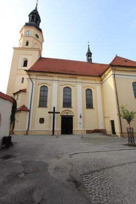 Pszczyna, kościół Wszystkich Świętych, widok południowy