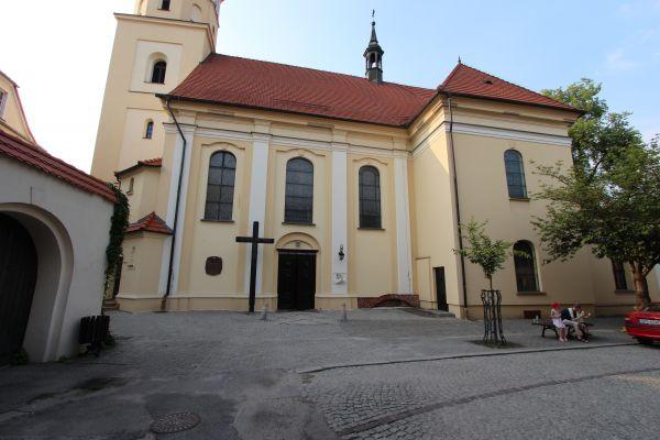 Pszczyna, kościół Wszystkich Świętych, dolna część od południa