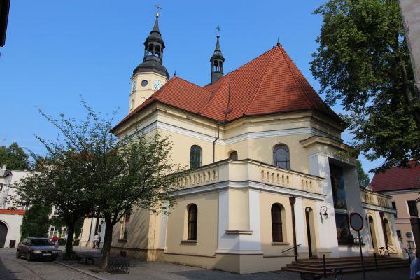 Pszczyna, kościół Wszystkich Świętych, widok z tyłu