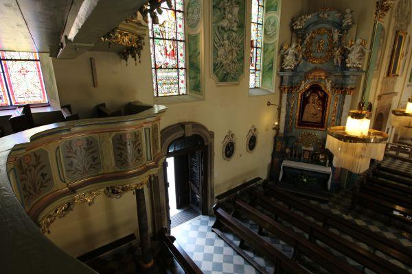 Pszczyna, kościół Wszystkich Świętych, lewa strona