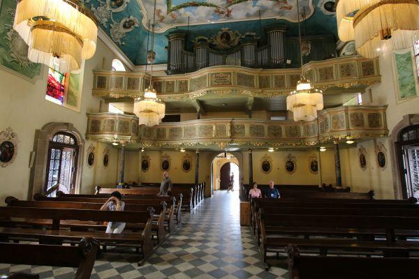 Pszczyna, kościół Wszystkich Świętych, organy i chór