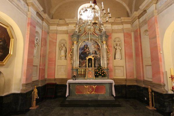 Pszczyna, kościół Wszystkich Świętych, ołtarz boczny