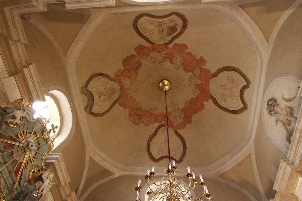 Pszczyna, kościół Wszystkich Świętych, sufit w kabplicy bocznej