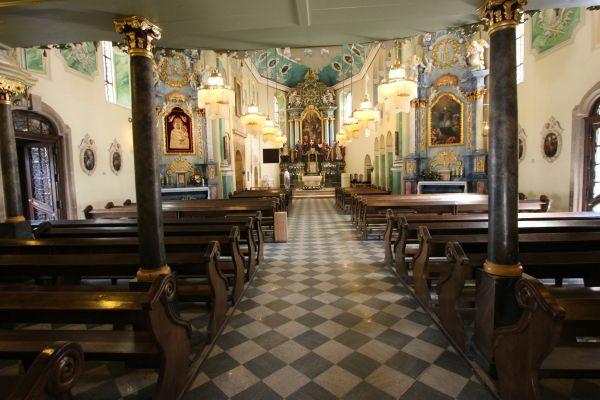 Pszczyna, kościół Wszystkich Świętych, nawa główna