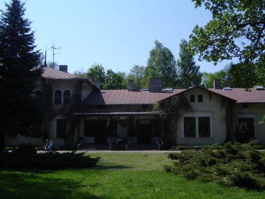 Liceum im. Marii Konopnickiej w Milanowie