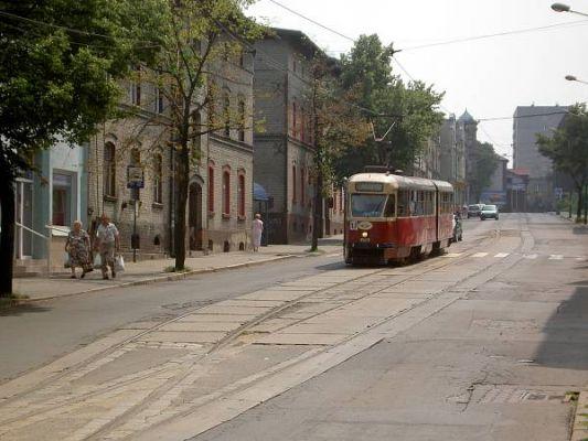 Linia tramwajowa nr 17 na mijance w Chropaczowie