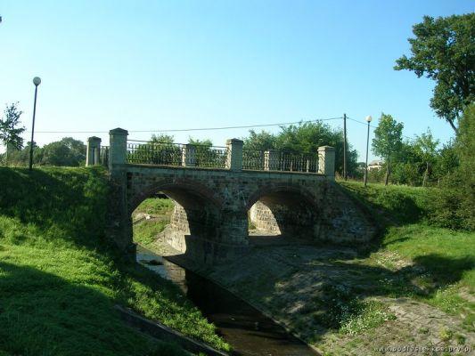 Mostek na rzece Mleczna w Podlesiu