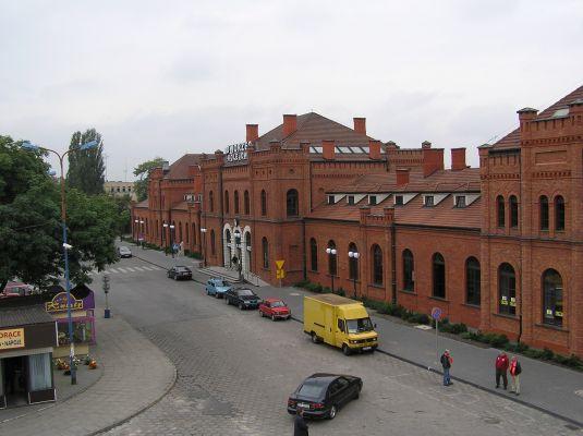 Odnowiony budynek Dworca Kolejowego w Skierniewicach