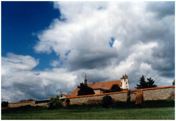 Opatów - kościół i klasztor OO Bernardynów