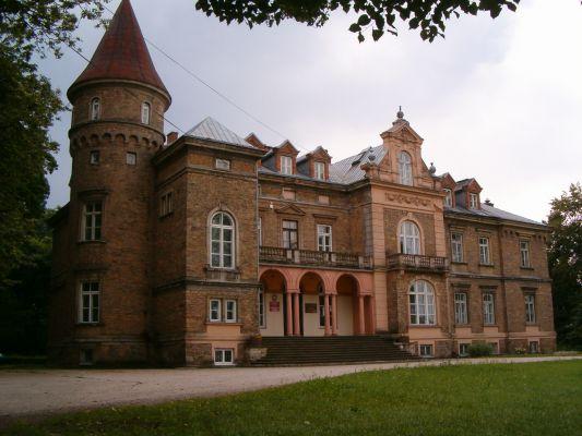 Pałac Dobieckich w Łopusznie