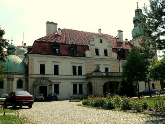 Pałac w Kamieńcu - główne wejście