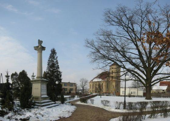 Plac 700-lecia w Zdunach