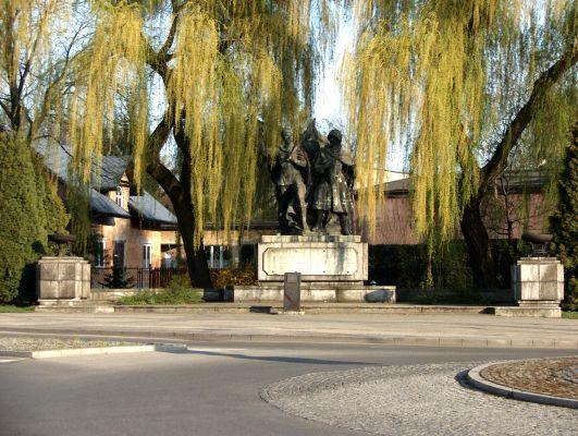 Pomnik Braterstwa Borni z czasów PRL w Czechowicach-Dziedzicach
