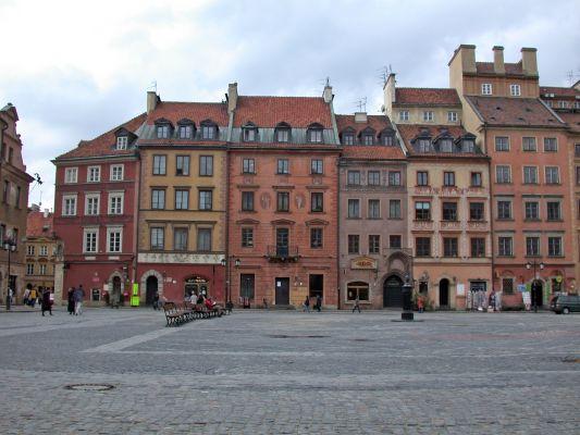 Rynek Starego Miasta w Warszawie, Strona Kołłątaja