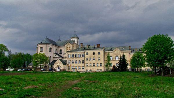 Salezjański ośrodek wychowawczy, dawniej internat żeński zwany Drapieżnikiem w Różanymstoku