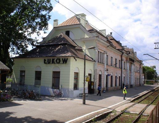 Lukow wagzal Robert Wielgorski.jpg  Stacja kolejowa w Łukowie