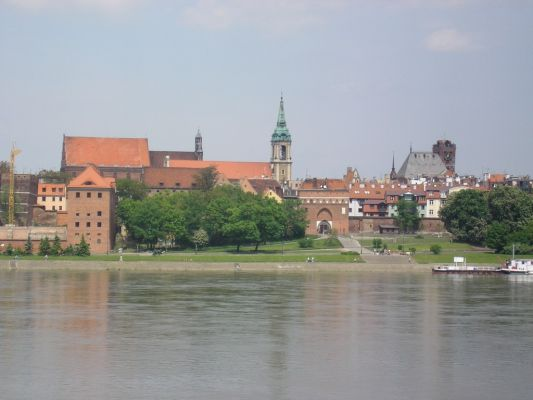 Stare Miasto w Toruniu widziane z mostu drogowego
