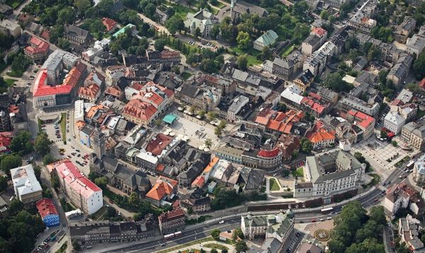 Widok na Stare Miasto z lotu ptaka.