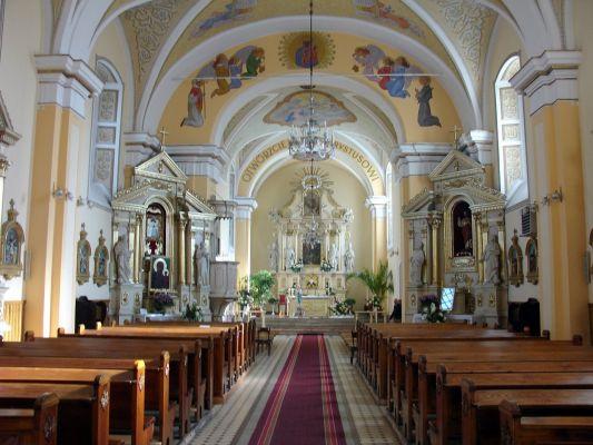 Wnętrze kościoła w Kłomnicach