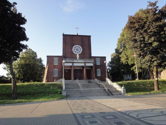 Kościół Wniebowzięcia Najświętszej Maryi Panny w Wojkowicach- Żychcicach widziany od ulicy Sobieskieg