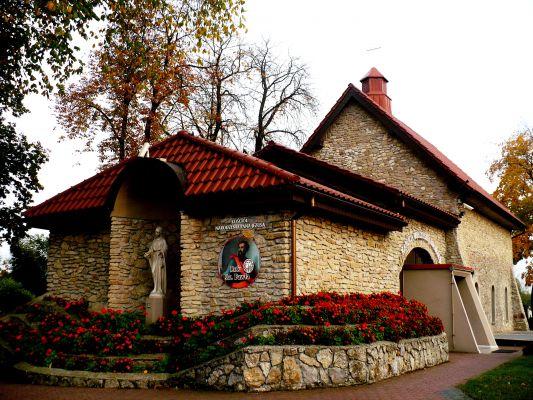 Zabytkowa kaplica Narodzenia Pana Jezusa w Myszkowie Mijaczowie