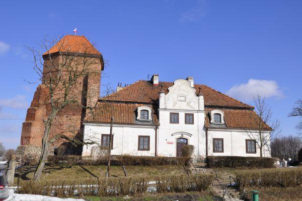 Zamek i muzeum w Liwie