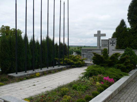 Zbiorowa mogiła polskich żołnierzy poległych 1-2 września 1939 r. w bitwie pod Mokrą.