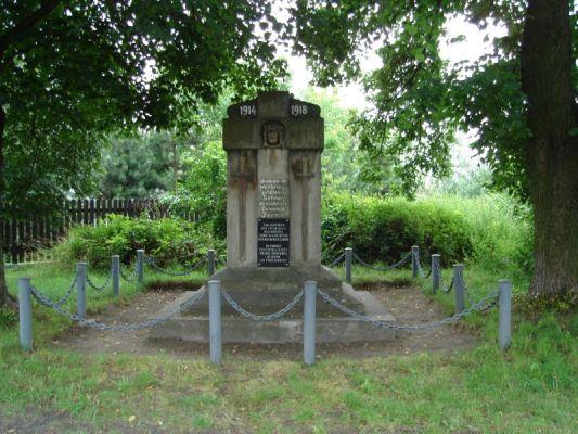 Żerniki - Pomnik ku czci poległych mieszkańców