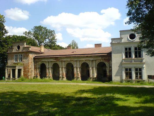 Zespół pałacowo-dworski w Brzyskach