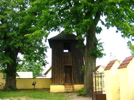 Zrębice kościół - dzwonnica
