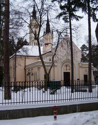 Kośiół Matki Boskiej Anielskiej w Konstancinie-Jeziornej