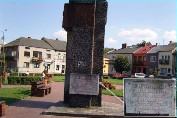 Pomnik ku czci żołnierzy który zgineli w okolicach Przysuchy
